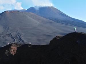 Avventura tra Canaloni e Valle del Bove - Etna